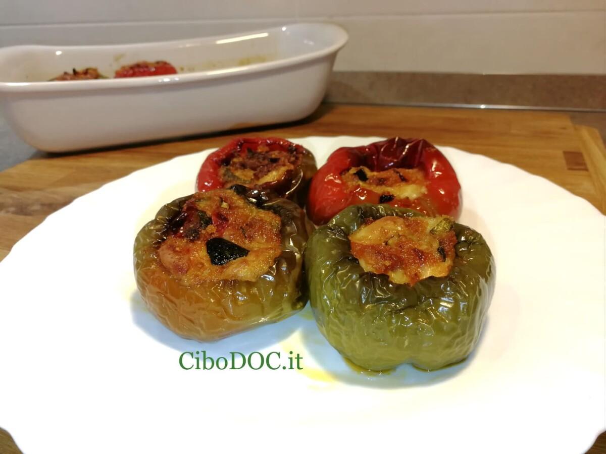 peperoni tondi ripieni di verdure